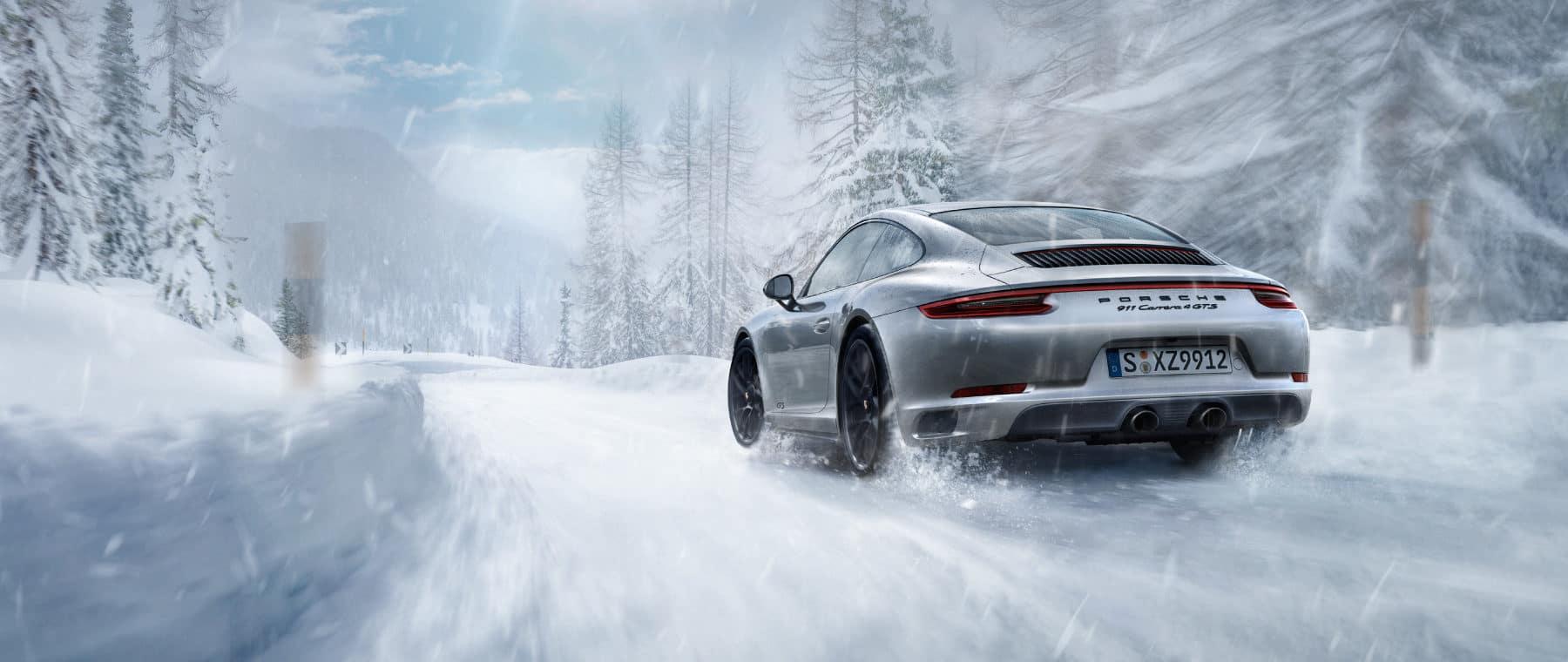 Autobahn Porsche | 911 in the Snow
