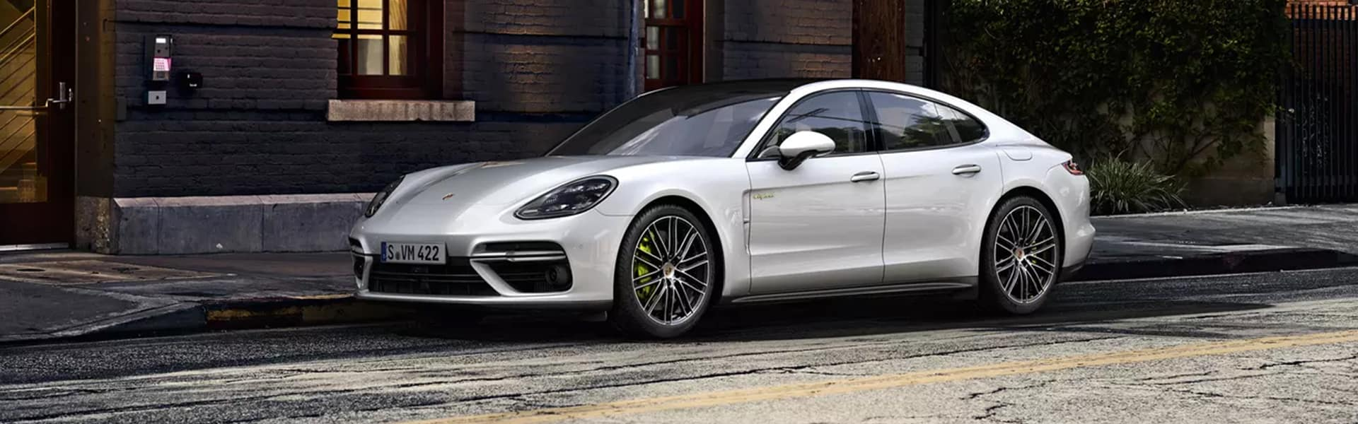 2020 Taycan vs. 2020 Panamera E-Hybrid Comparison at Porsche Louisville