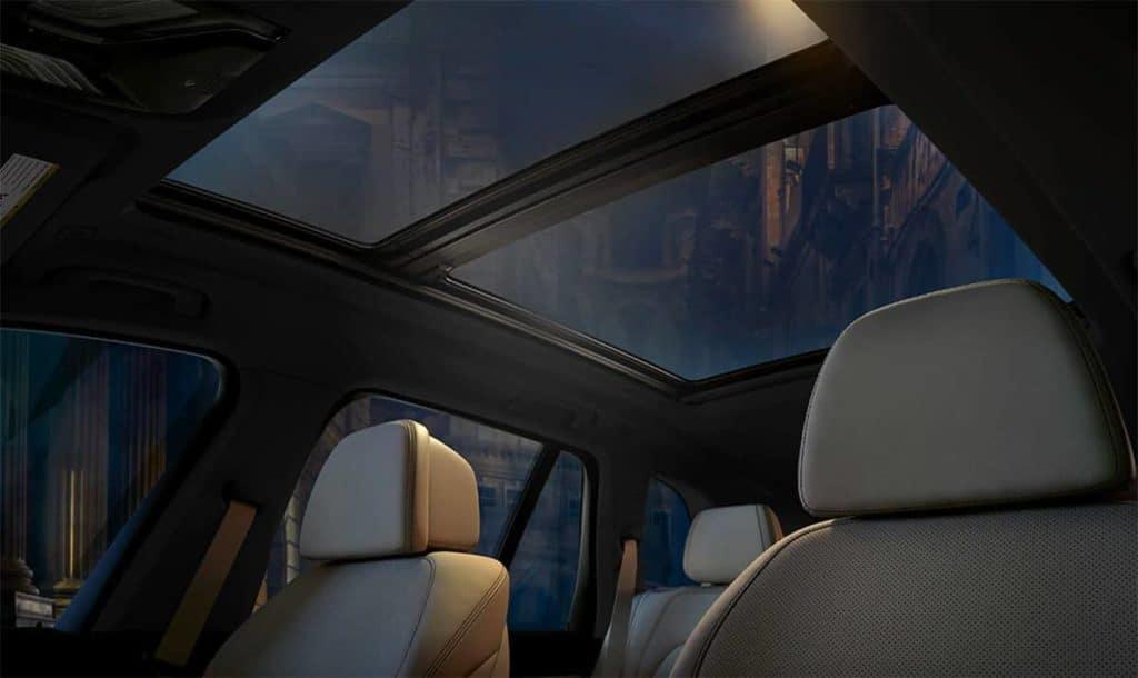 2019 BMW X5 interior sunroof