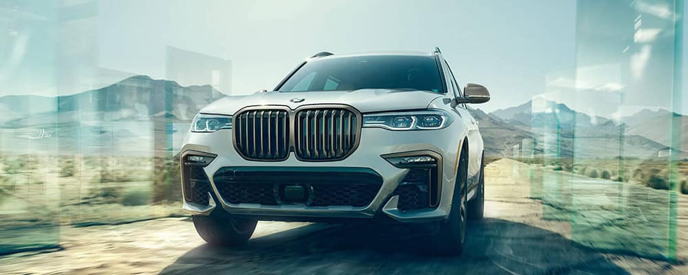 2020 BMW X7 front view