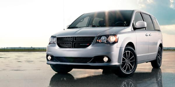 Performance features of 2018 Dodge Grand Caravan at Champion CDJR near Brownsburg, IN
