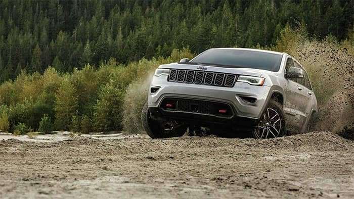 2019 Jeep Grand Cherokee Off-Roading