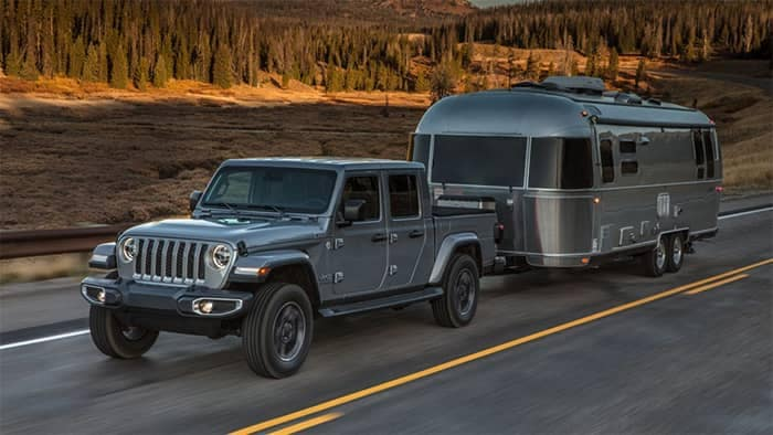 Jeep Gladiator Towing a Camper