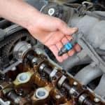 mechanic replace fuel injectors