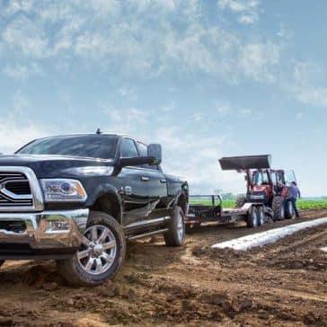 2018 Ram 2500 Laramie Longhorn towing tractor