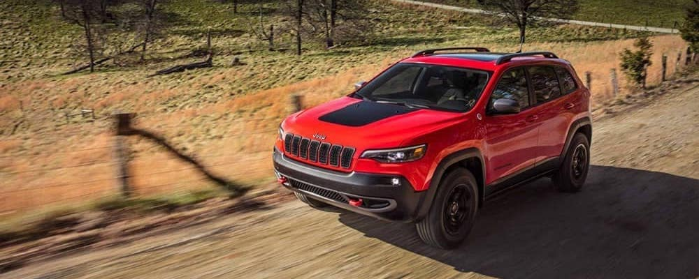2019 Jeep Cherokee Trailhawk driving