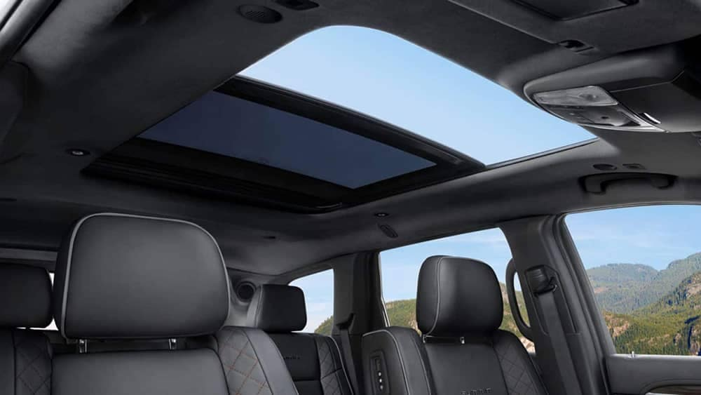 2019 Jeep Grand Cherokee Interior Seating and Sunroof