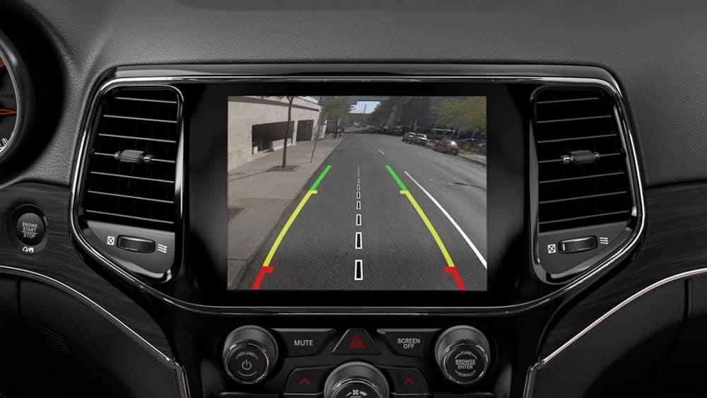 2019 Jeep Grand Cherokee Backup Camera on Display Screen