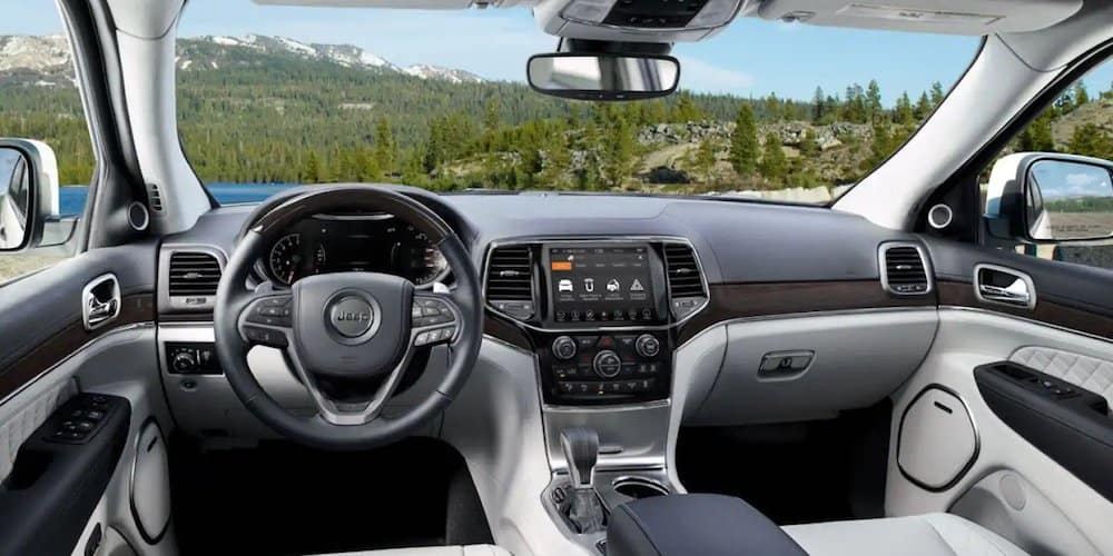 2019 grand cherokee infotainment