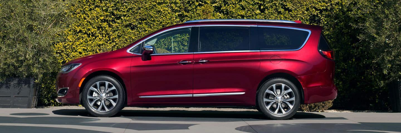 Chrysler Pacifica Minivan Safety Chicago, IL