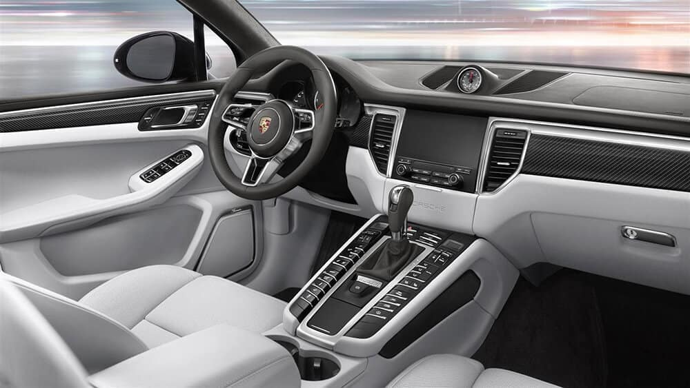 2018-Porsche-Macan-Turbo-Interior-Gallery-5