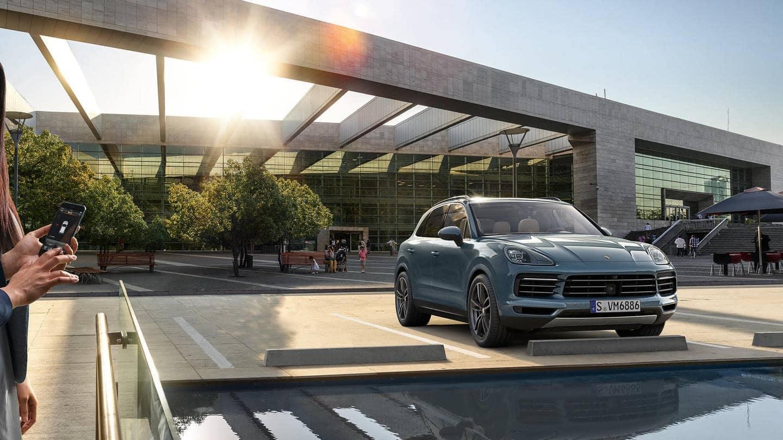 2019-Porsche-Cayenne-Gallery-8