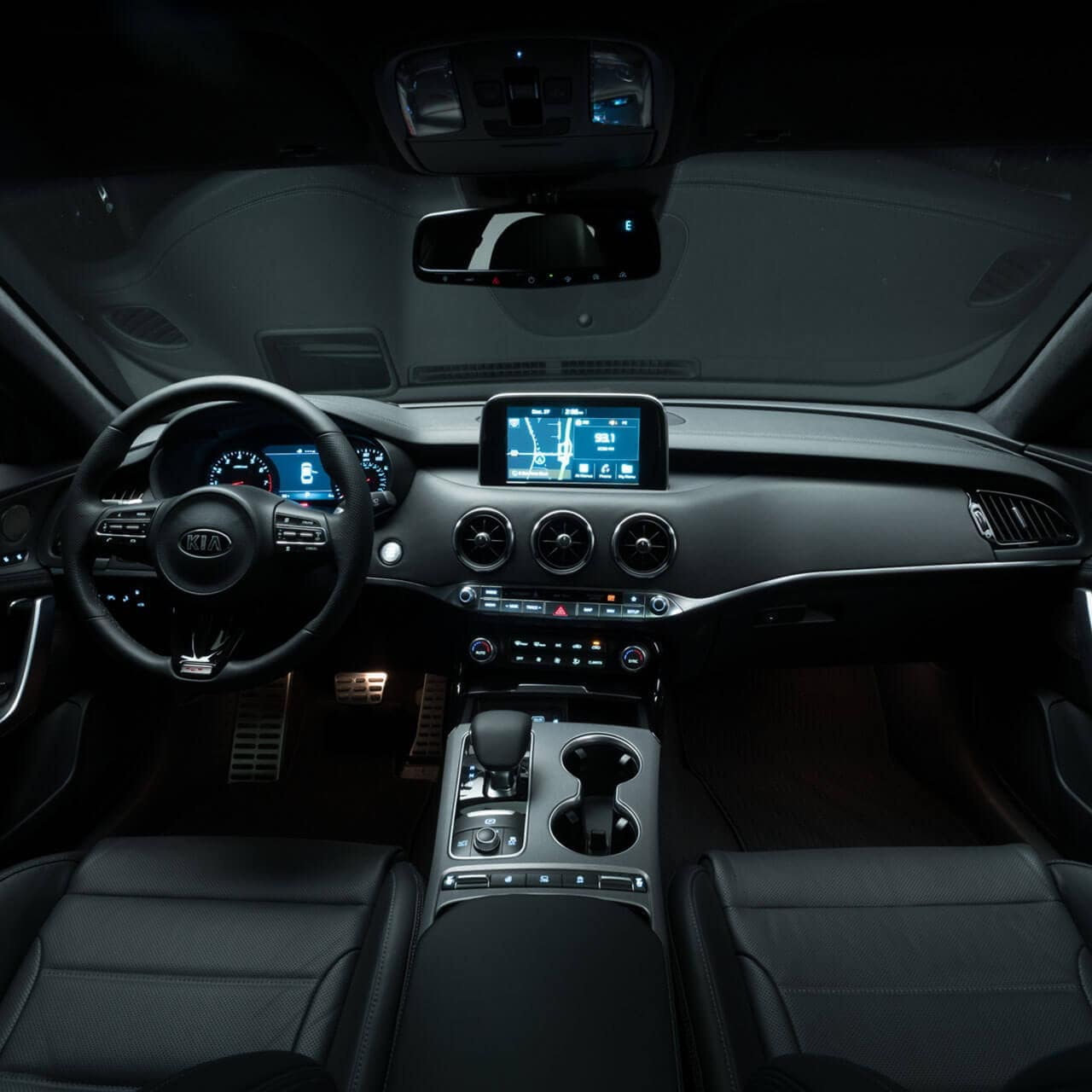 2018 Kia Stinger Interior 4