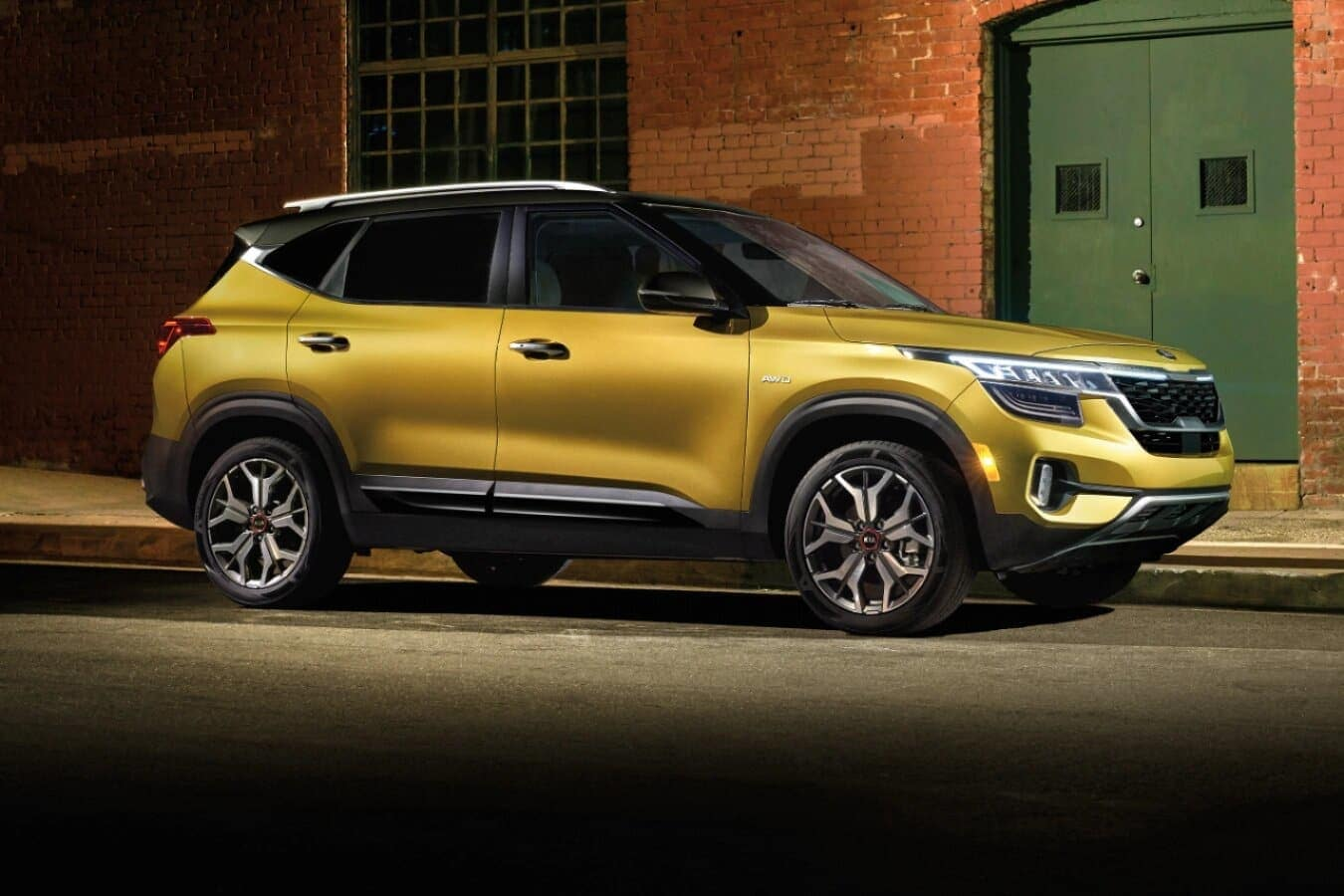 Research the 2021 Kia Seltos near Auburn Hills MI