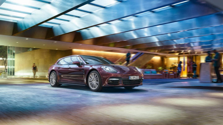 2018 Porsche Panamera Driving