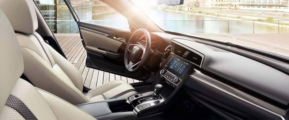 2019 Honda Civic Interior Front Seating and Dashboard