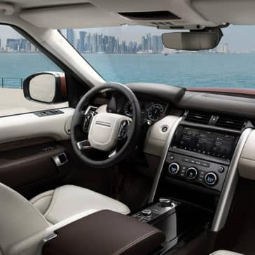 2019 Land Rover Discovery front interior