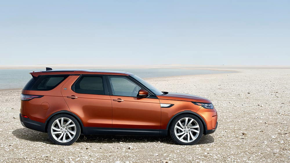 2019 Land Rover Discovery side view