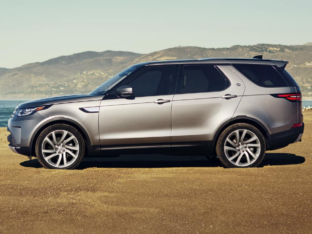 New 2021 Land Rover Discovery S With Navigation & 4WD
