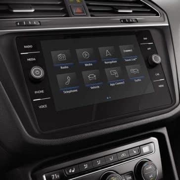 2019 Volkswagen Tiguan instrument panel