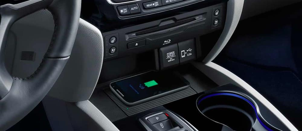 2019 Honda Pilot interior with wireless charging pad