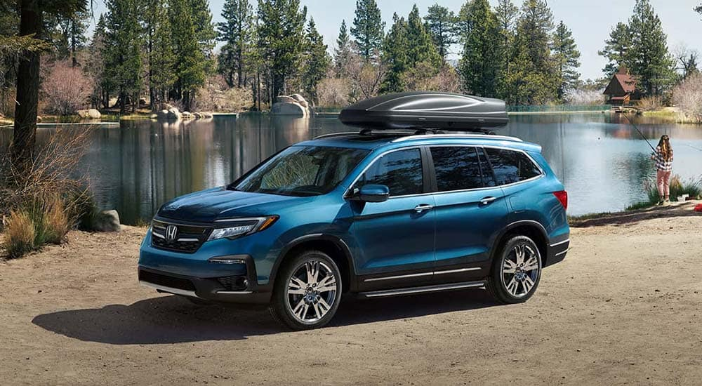 2019 Honda Pilot at lake