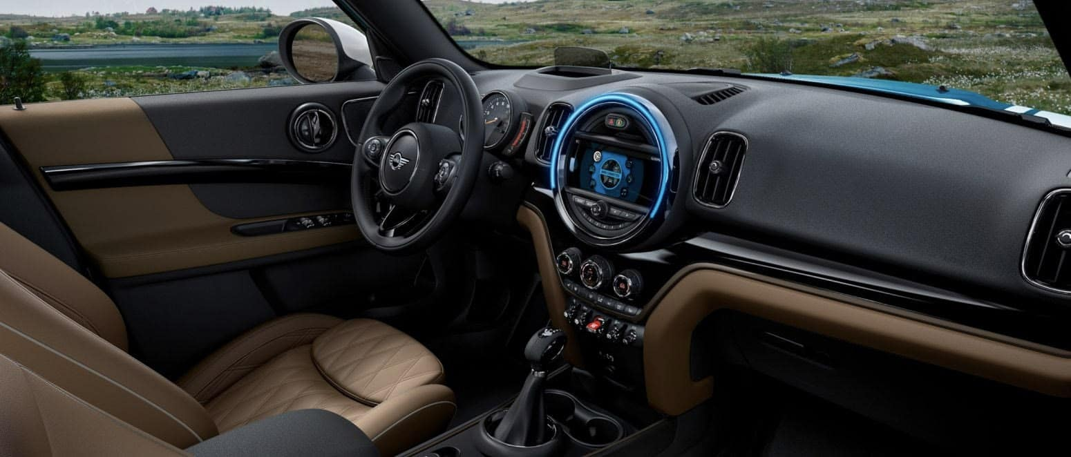2020 MINI Countryman interior