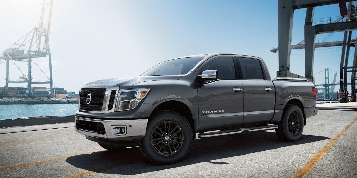 Nissan Titan Vs Nissan Titan Xd Brotherly Pickup Truck Battle