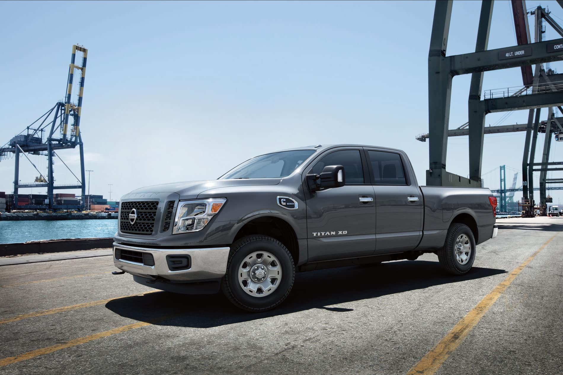 Nissan Titan Vs  Nissan Titan XD: Brotherly Pickup Truck Battle