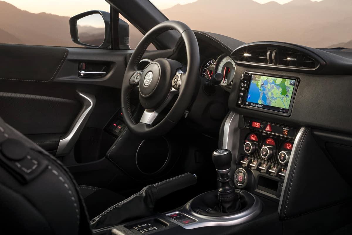 Nissan 370Z Vs  Toyota 86