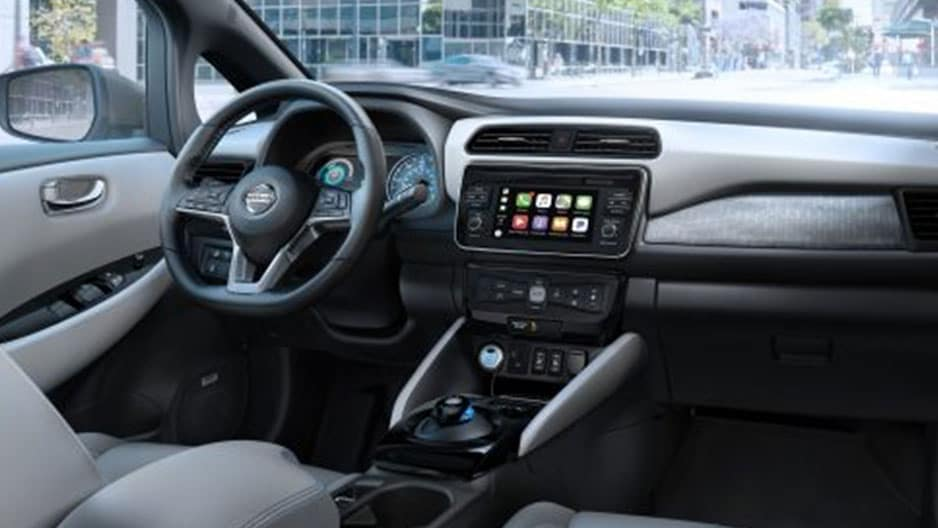 Technology Features of the New Nissan Leaf at Garber in Sarasota, FL