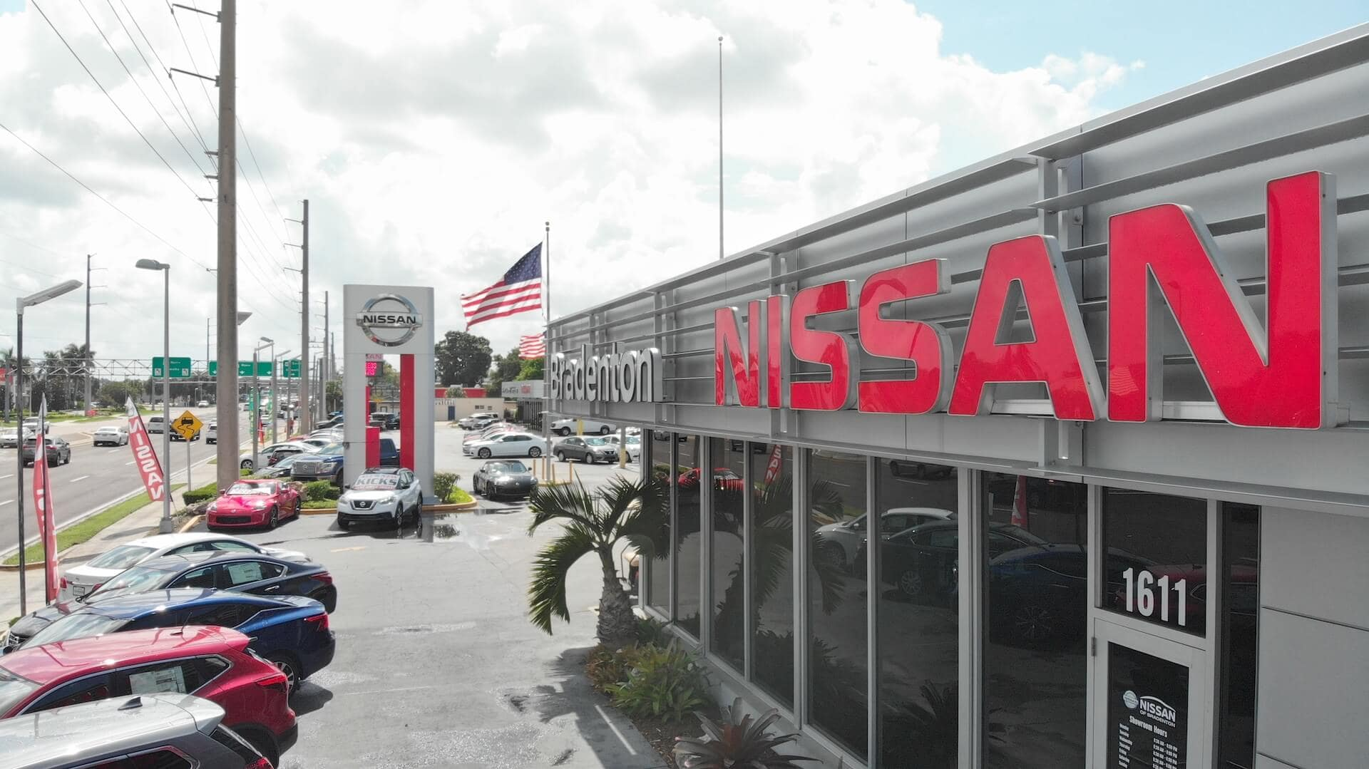 An exterior shot of Nissan of Bradenton dealership