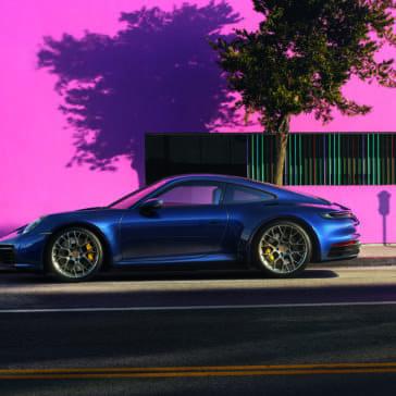 2020 Porsche 911 Carrera 4S - Key Visual