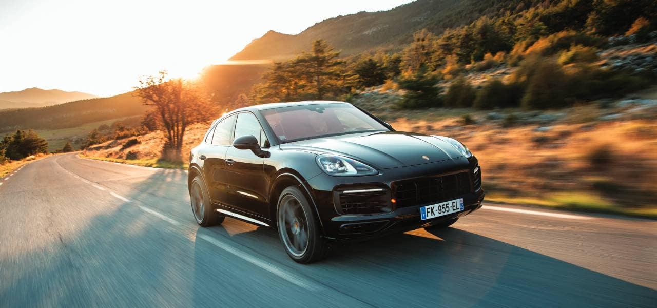 2020 Porsche Cayenne Model Compare