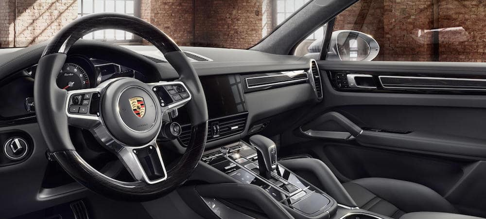 Porsche Cayenne Cockpit and dashboard