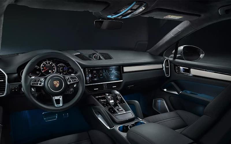 2020 Porsche Cayenne Coupe Driver-Centric Interior