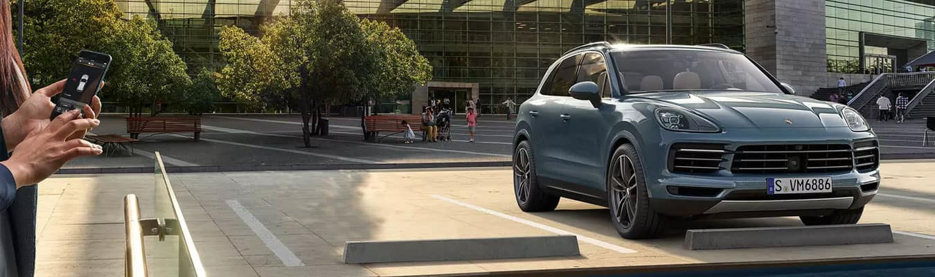2019 Porsche Cayenne with Porsche Connect