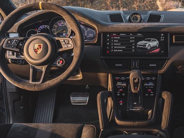 2022 Porsche Cayenne Turbo GT Cockpit