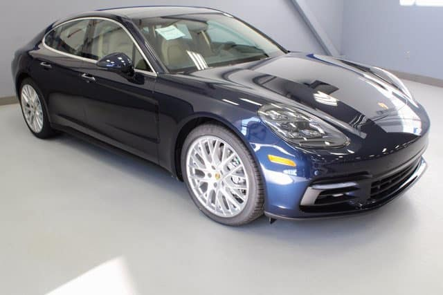 New 2018 Porsche Panamera 4S