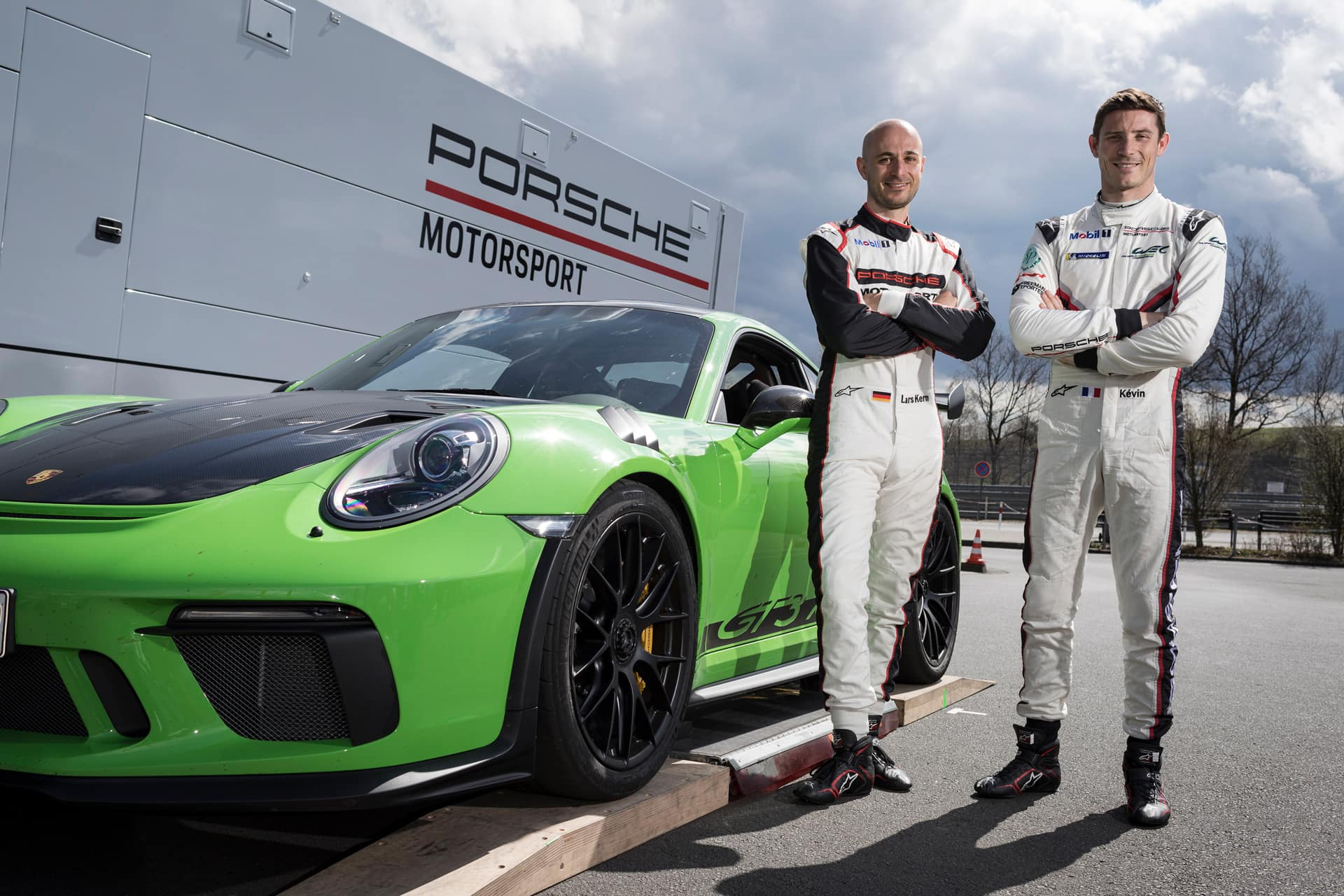 911 GT3 RS with Lars Kern and Kévin Estre