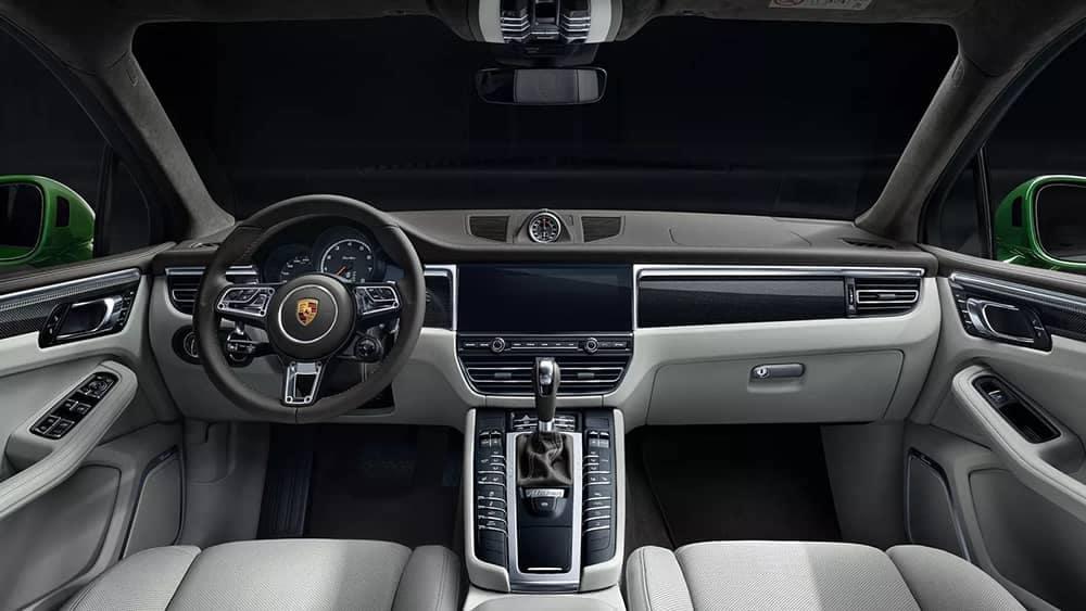 2020 Porsche Macan Dash