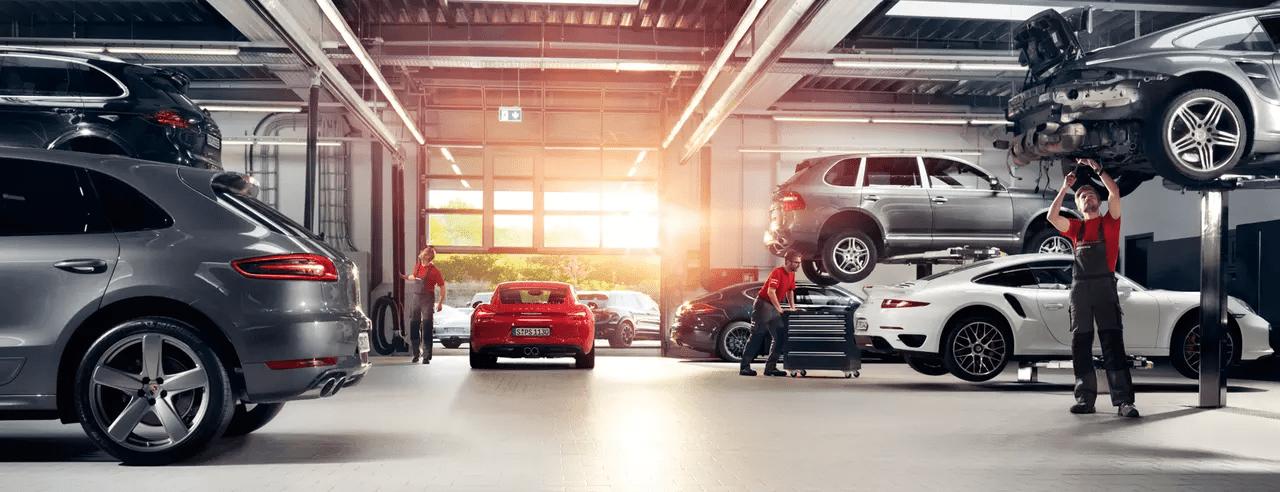 Porsche Service Garage