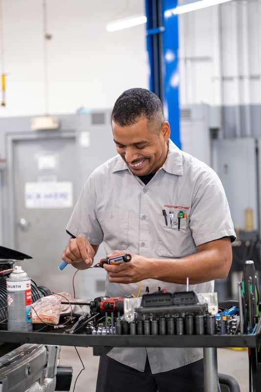 Porsche Service & Parts