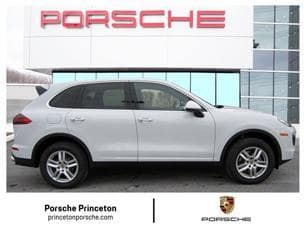 2018 Porsche Cayenne vs. 2018 Chevrolet Traverse