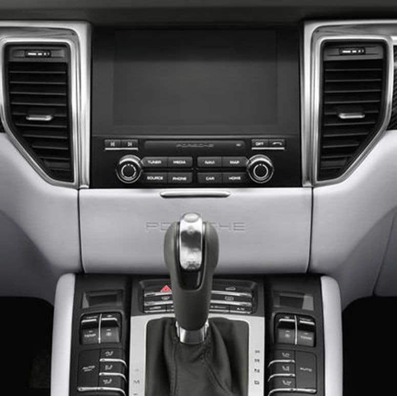 2018 Porsche Macan Interior
