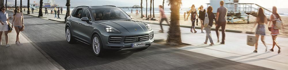 Porsche Cayenne vs Jaguar F-PACE