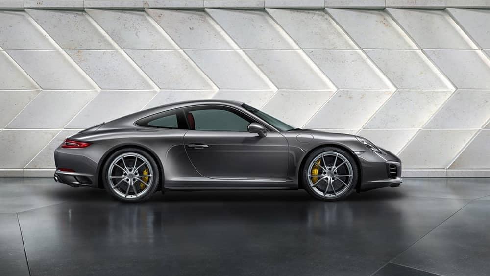 2019-Porsche-911-Carrera-wall