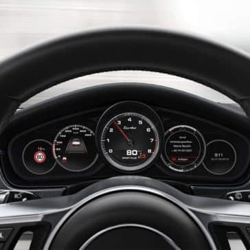 2019-Porsche-Panamera-Steering-Wheel