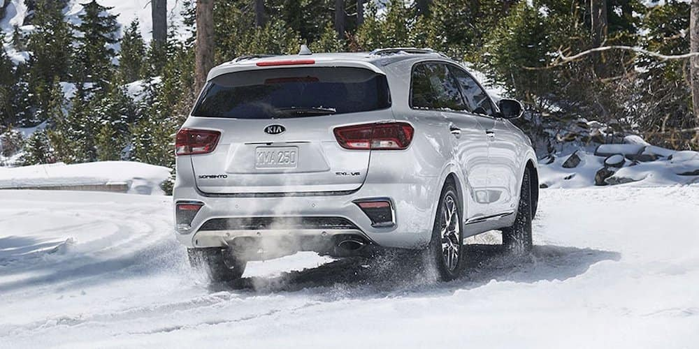 2019 kia sorento on snowy road