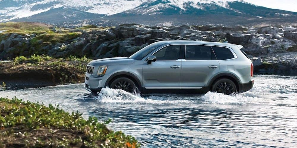 2020 Kia Telluride Driving Through Water